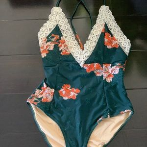 New Cup She one piece swimsuit